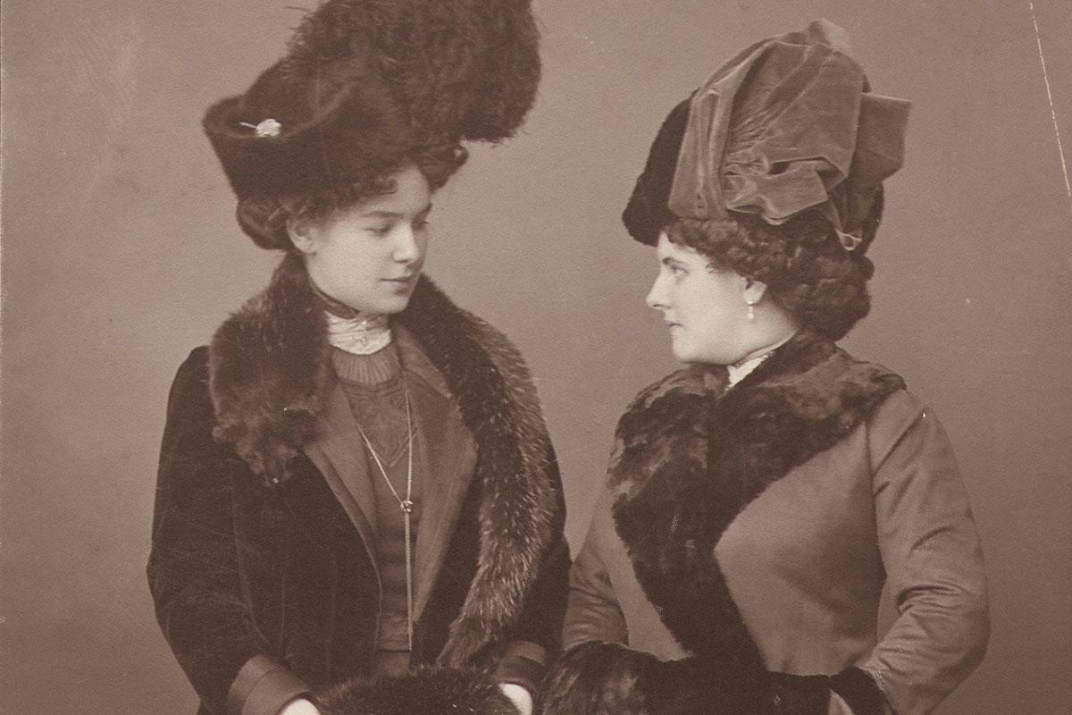 Portrait of Zora and Zorka Hörstig, 1903-1906