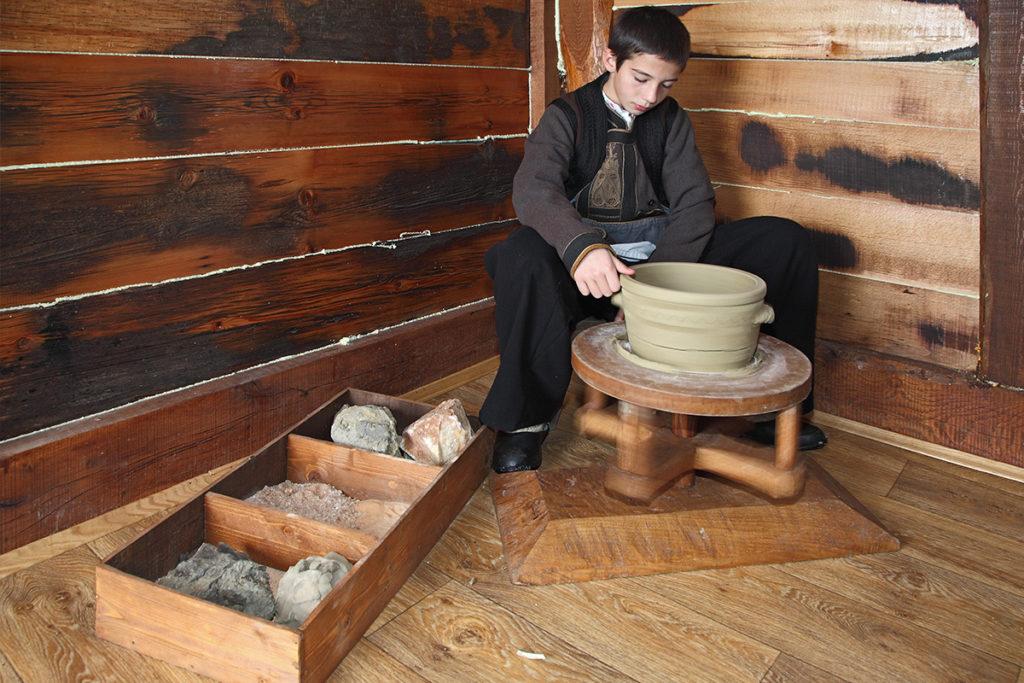 Zlakuska pottery manufacturing